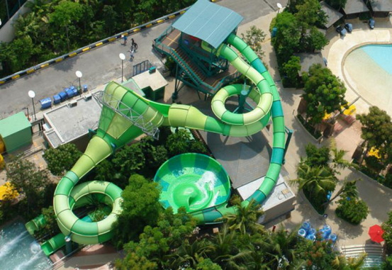 Adventure Cove Waterpark and the Southeast Asia Aquarium